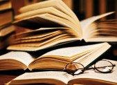 Les livres peuvent-ils légitimer une autorité? Réflexion sur une citation d'Emmanuel Macron.